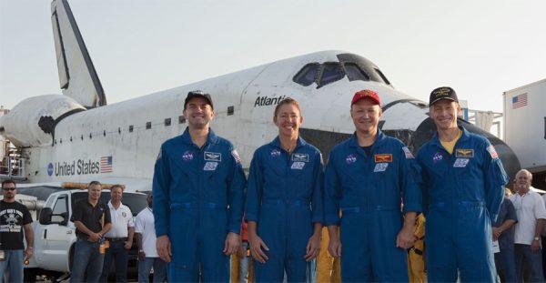 nasa-atlantis-crew