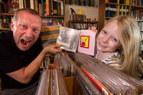 Mats'as su dukra. Fotografijos autorė Ziga Kornik
