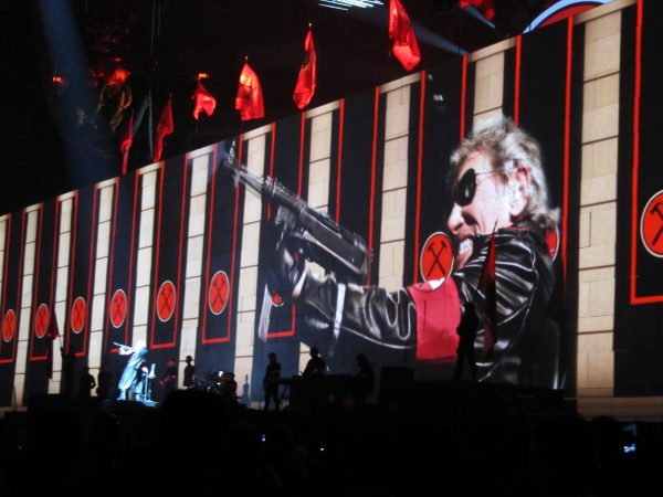 Roger_Waters_-The_Wall-_in_Toronto,_Ontario_-_01
